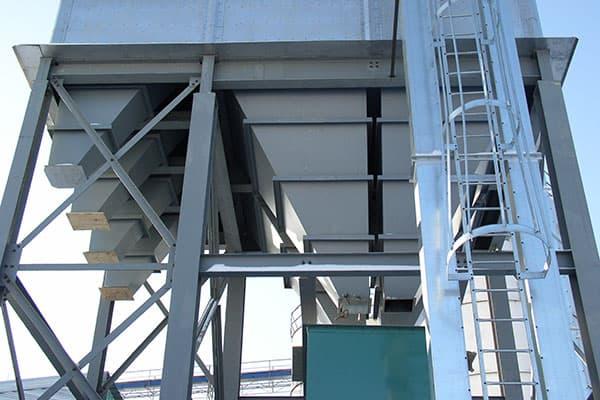 Sanitary and non-Sanitary bulk storage silo